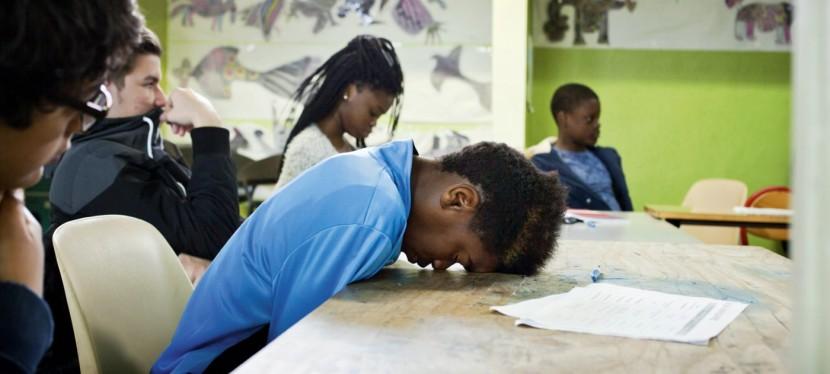 Comment réduire drastiquement le nombre de jeunes français qui sortent de notre système éducatif avec un niveau de formation très insuffisant?