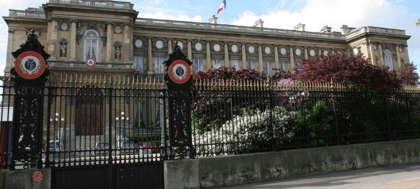 La France a-t-elle encore les moyens d'une politique étrangère?