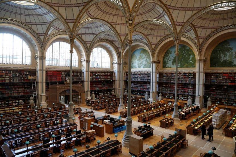 La bibliothèque a-t-elle besoin de l'État ? La Bibliothèque nationale depuis l'an1000